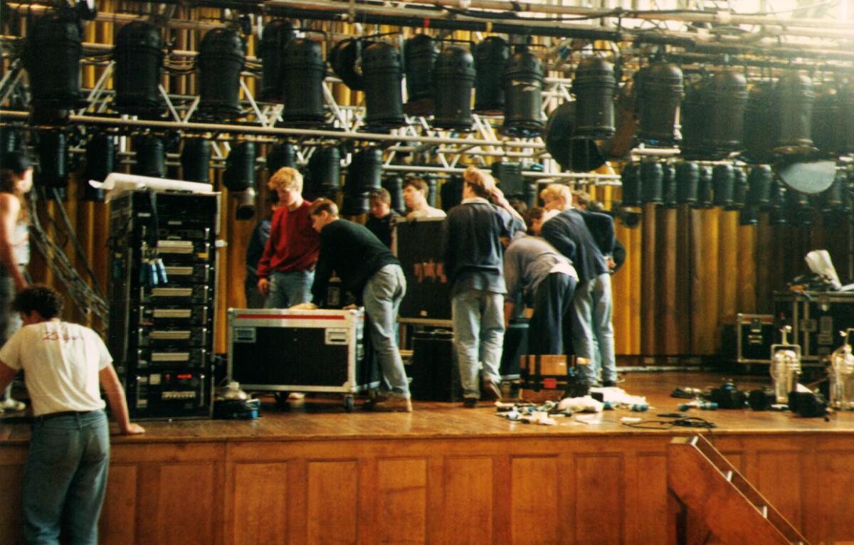 19910715_paracetamols-2-nights-of-rock-stage-prep