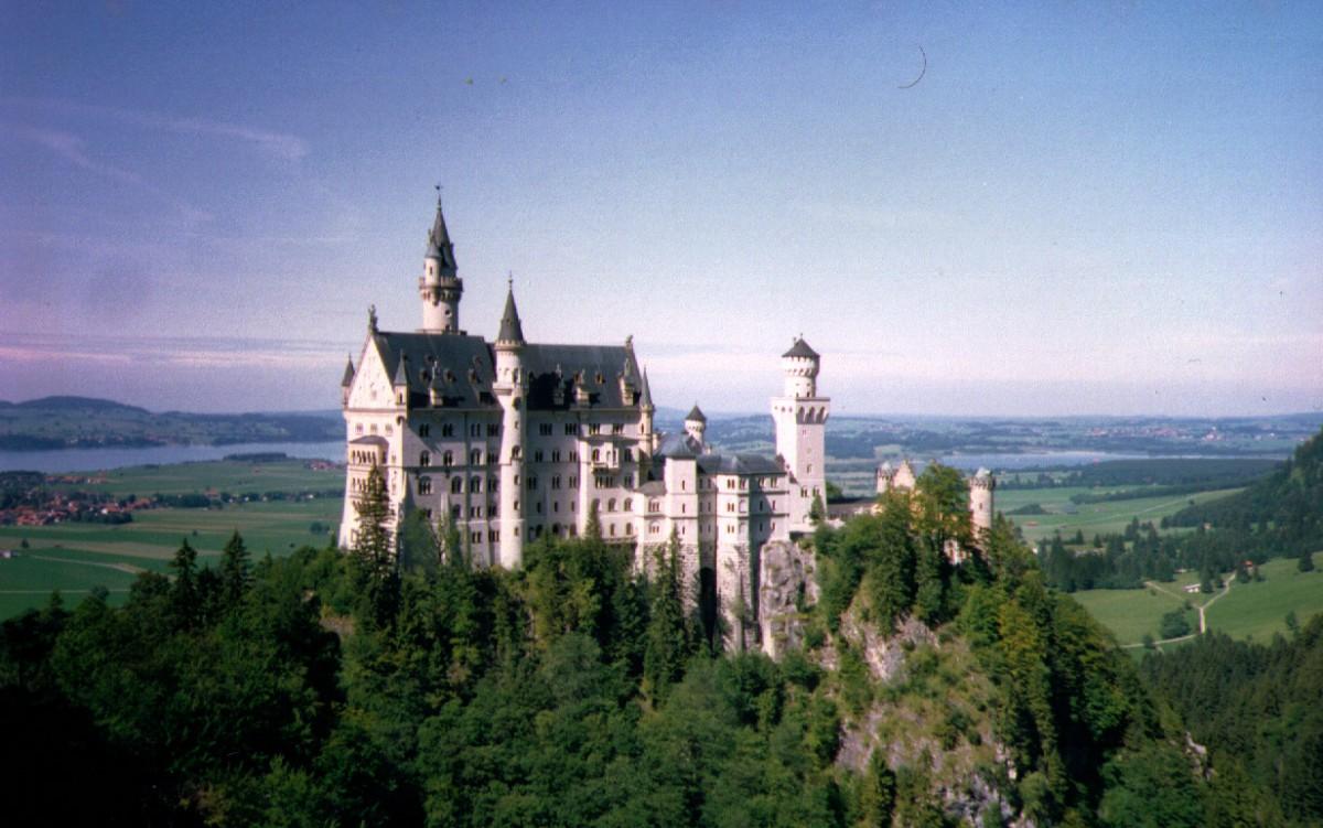 Neuschwanstein - Kaiser Ludwig II crazy castle