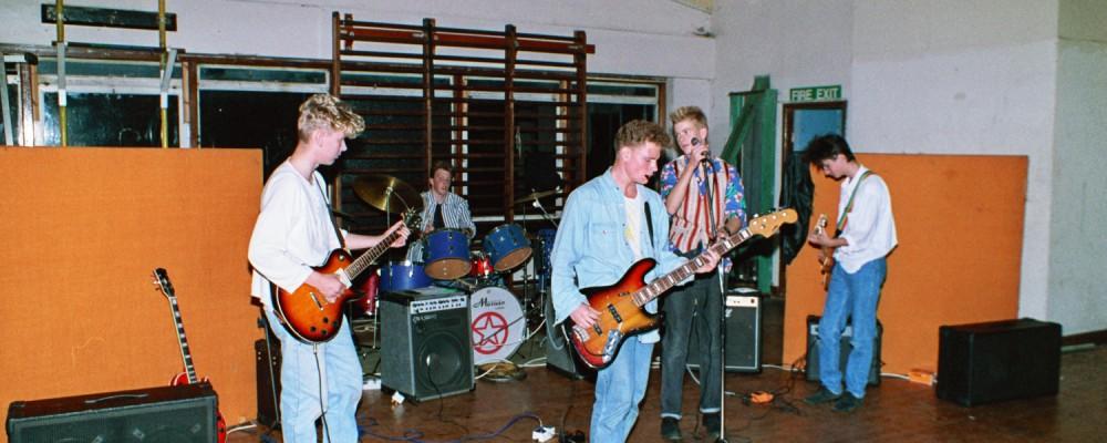 Paracetamols Gig at Lea Rowing Club in 1988