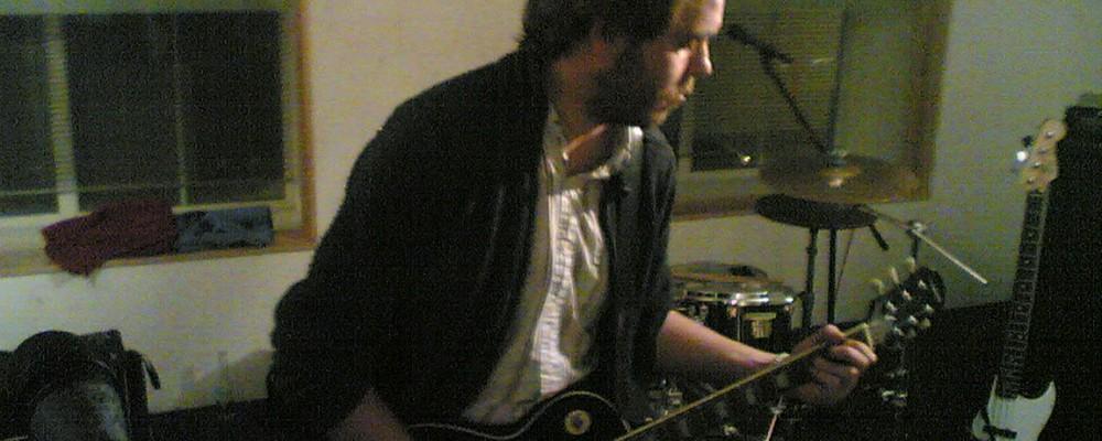 Tarkan Algin rehearses at The Premises, Hackney, London