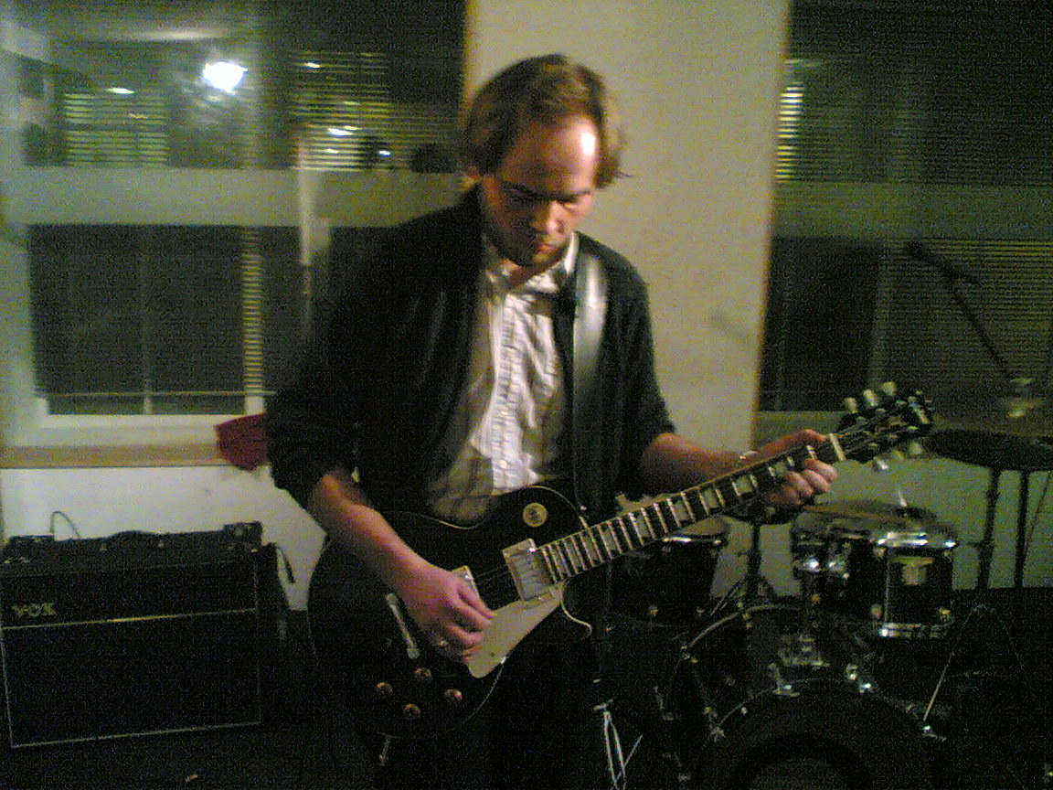 Tarkan Algin, The Dees, Rehearsal at The Premises, London, 2006