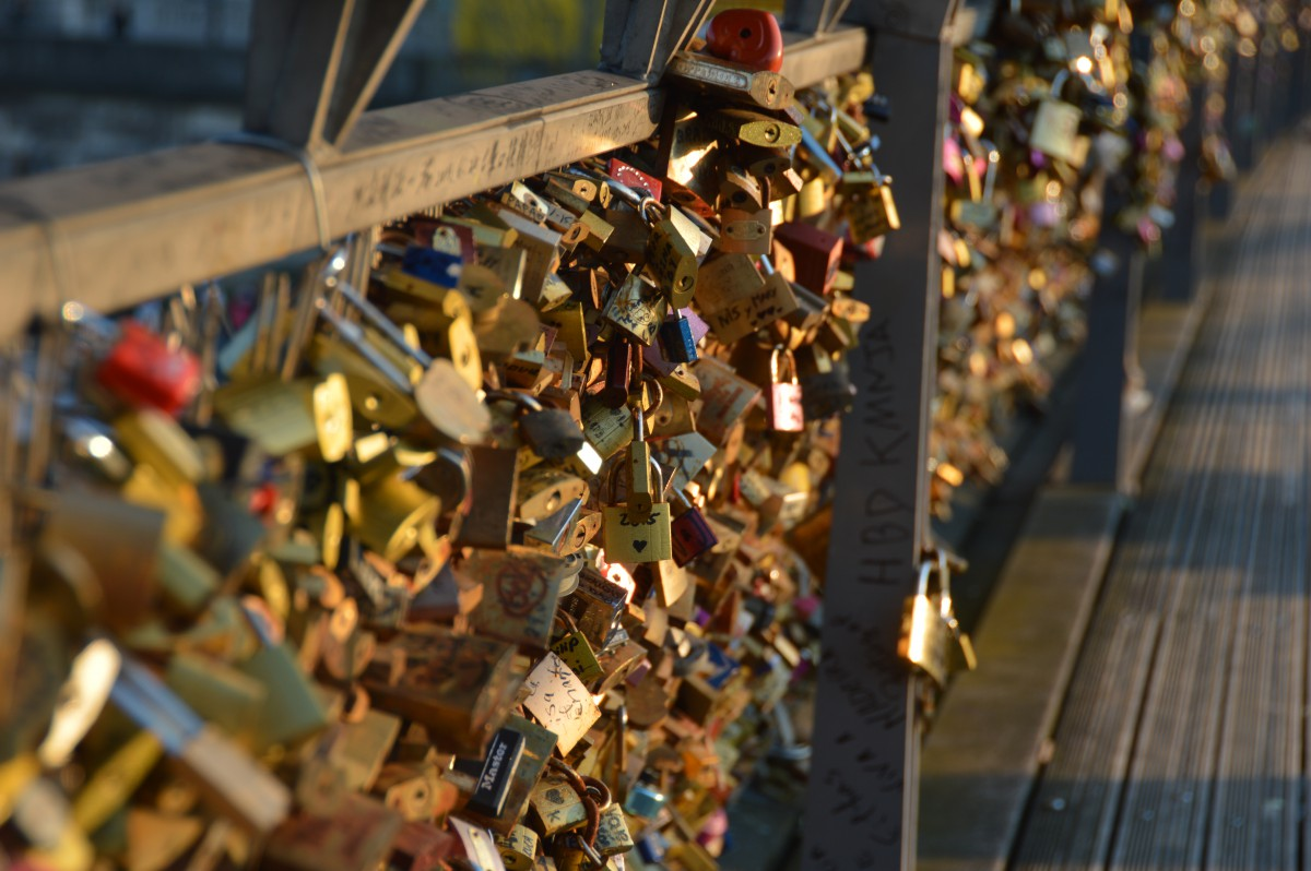 Bridge of love locks, Paris