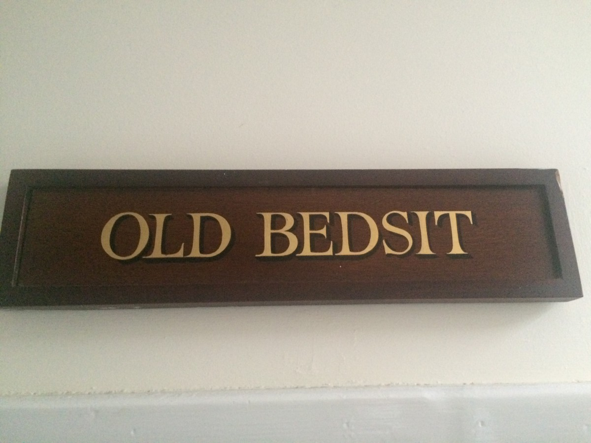 The Old Bedsit, Laundimer